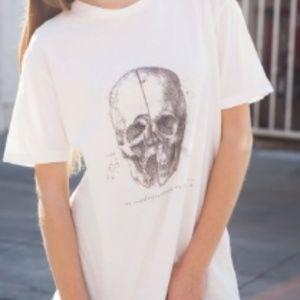 Brandy Melville skull shirt